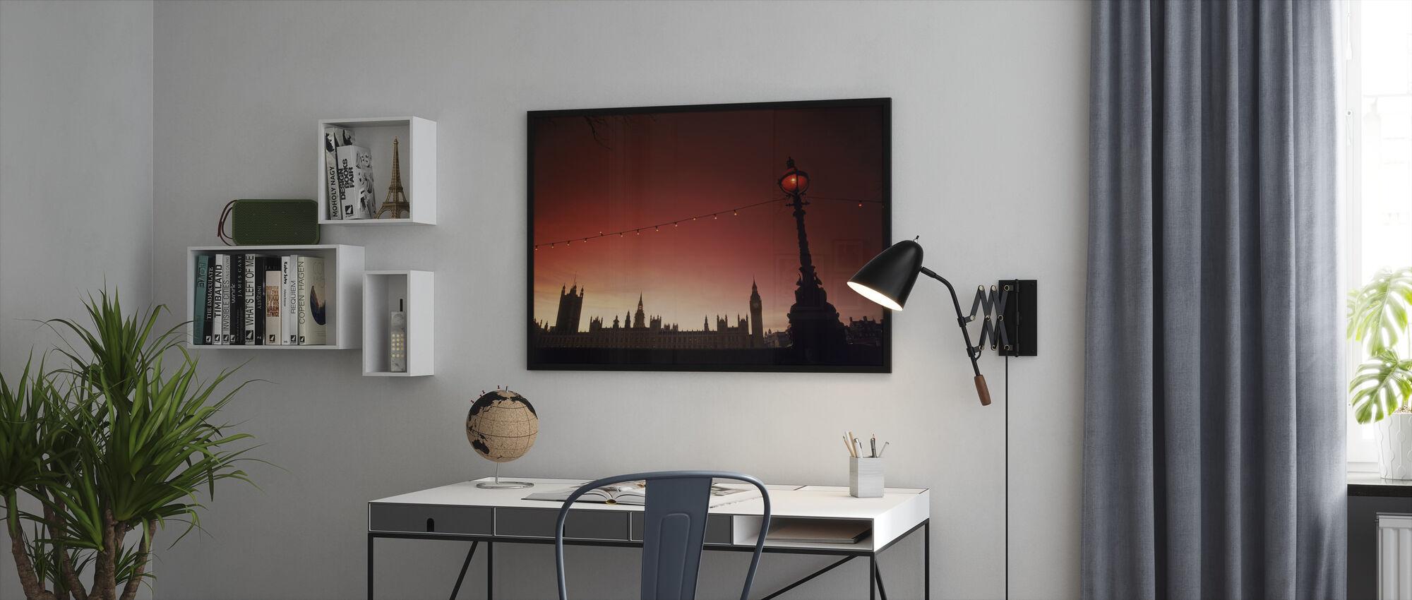 A Study in Scarlet, London - Framed print - Office