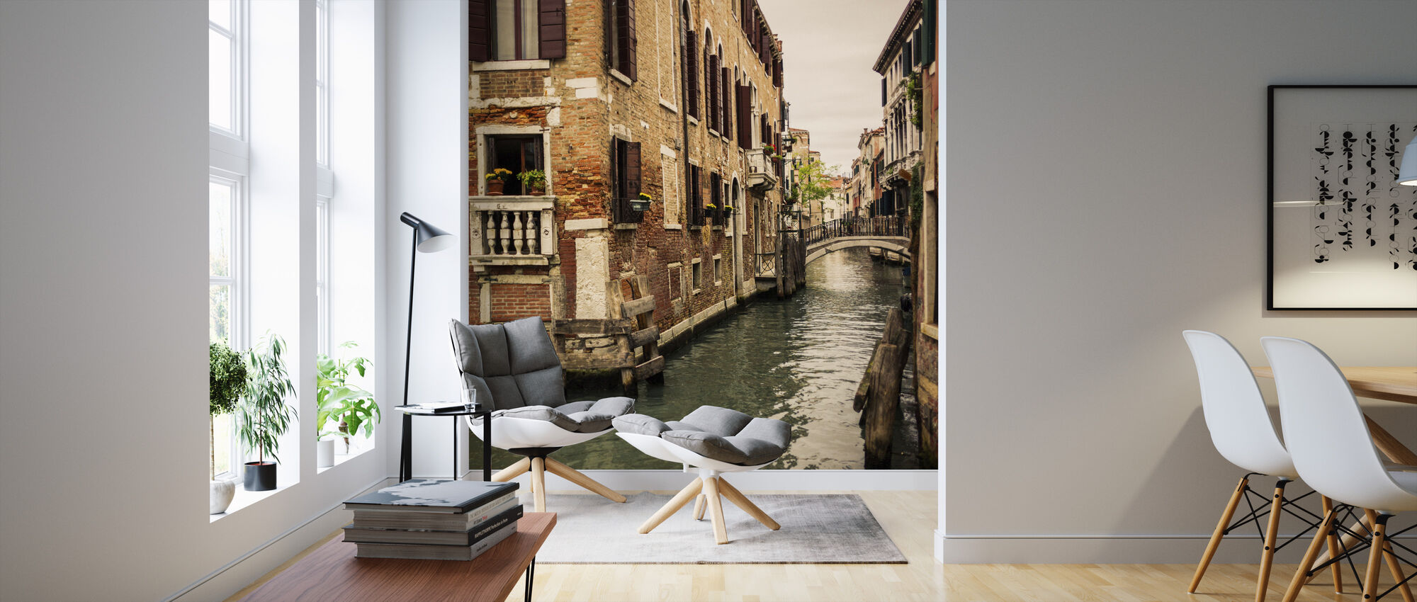 Bricks and Bridges in Venice - Wallpaper - Living Room