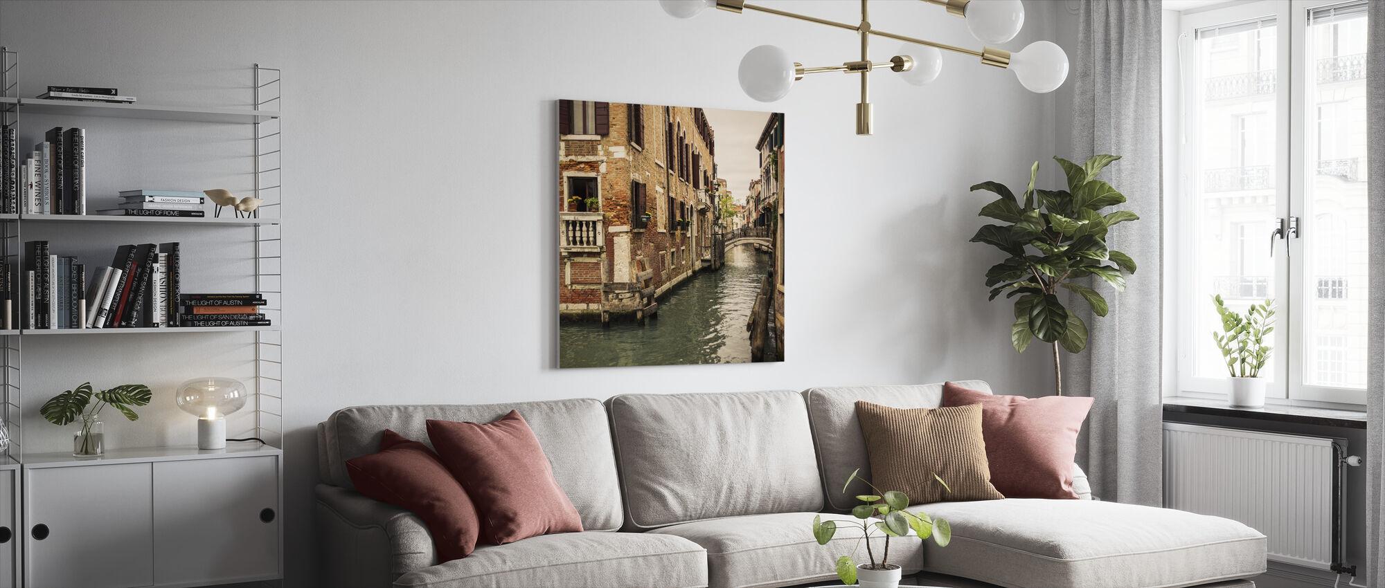 Mursten og broer i Venedig - Lerretsbilde - Stue