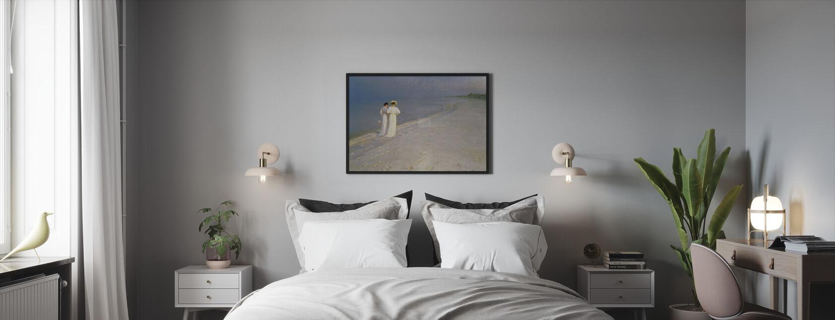 Sommeraften på Skagen Southern Beach med Anna Ancher og Marie Kroyer - Peder Severin Kroyer - Innrammet bilde - Soverom