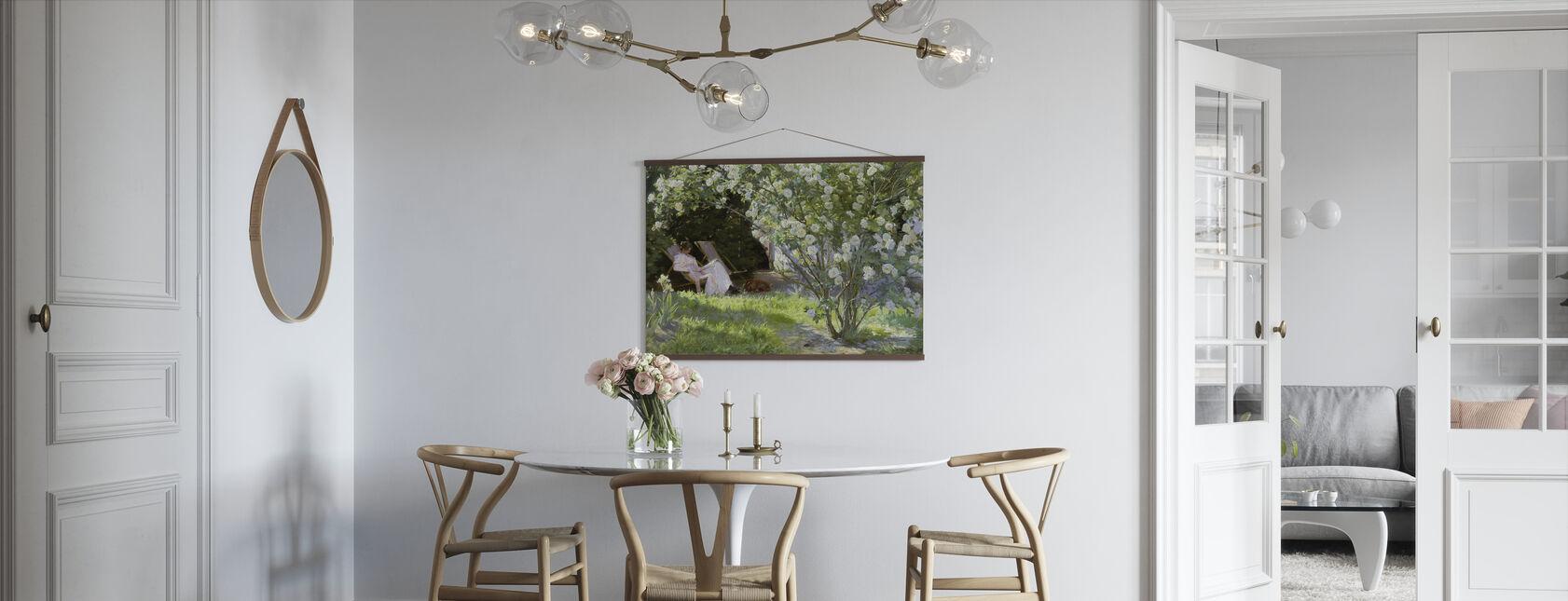Kunstnerens kone i haven på Skagen - Peder Severin Kroyer - Plakat - Køkken