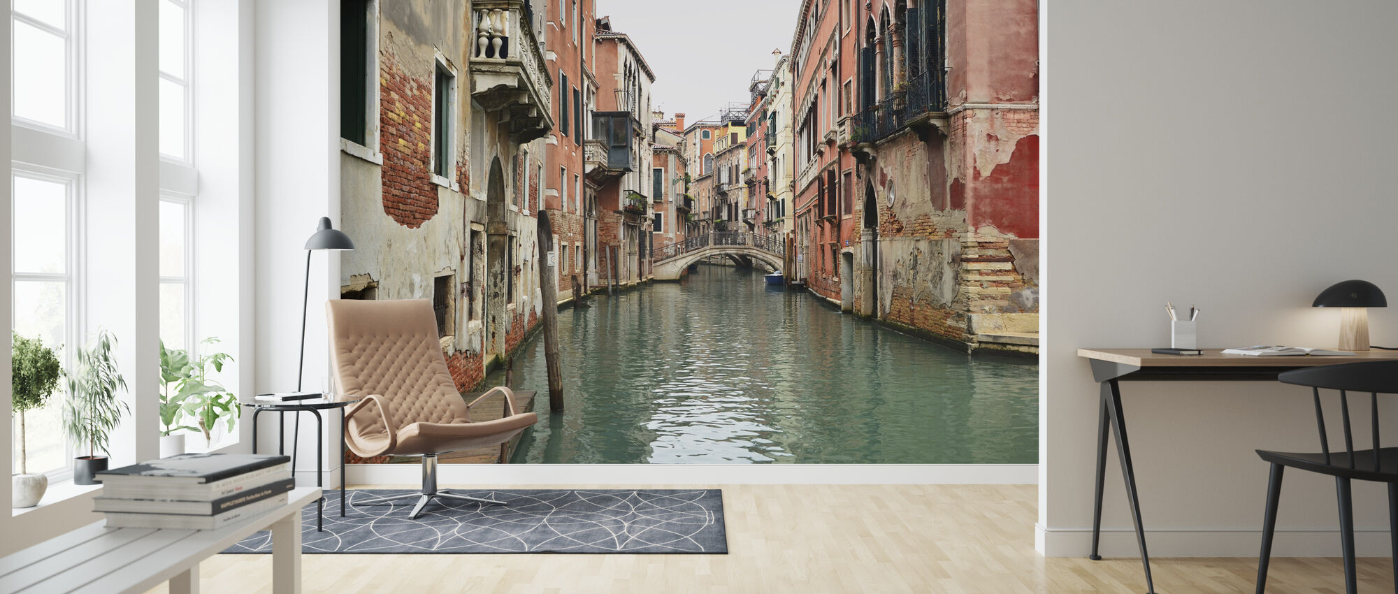 Bricks and Water Alleys in Venice - Wallpaper - Living Room