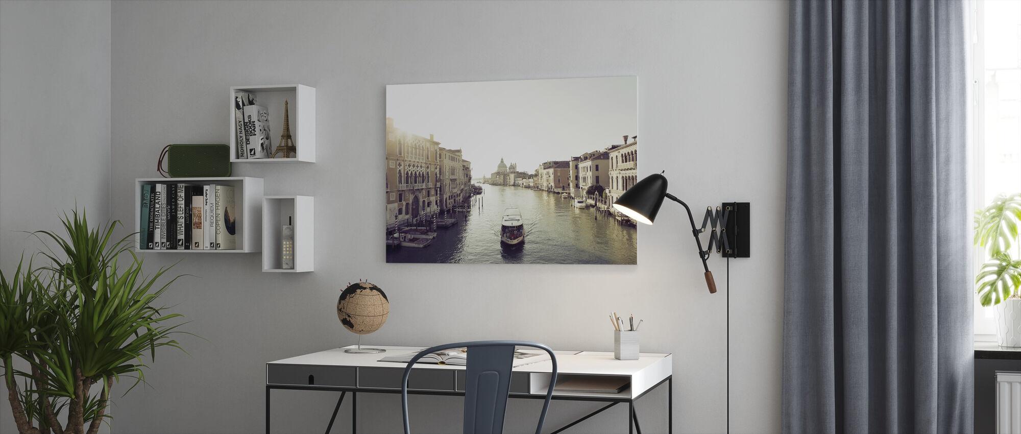 Taxabåd på Grand Canal - Billede på lærred - Kontor
