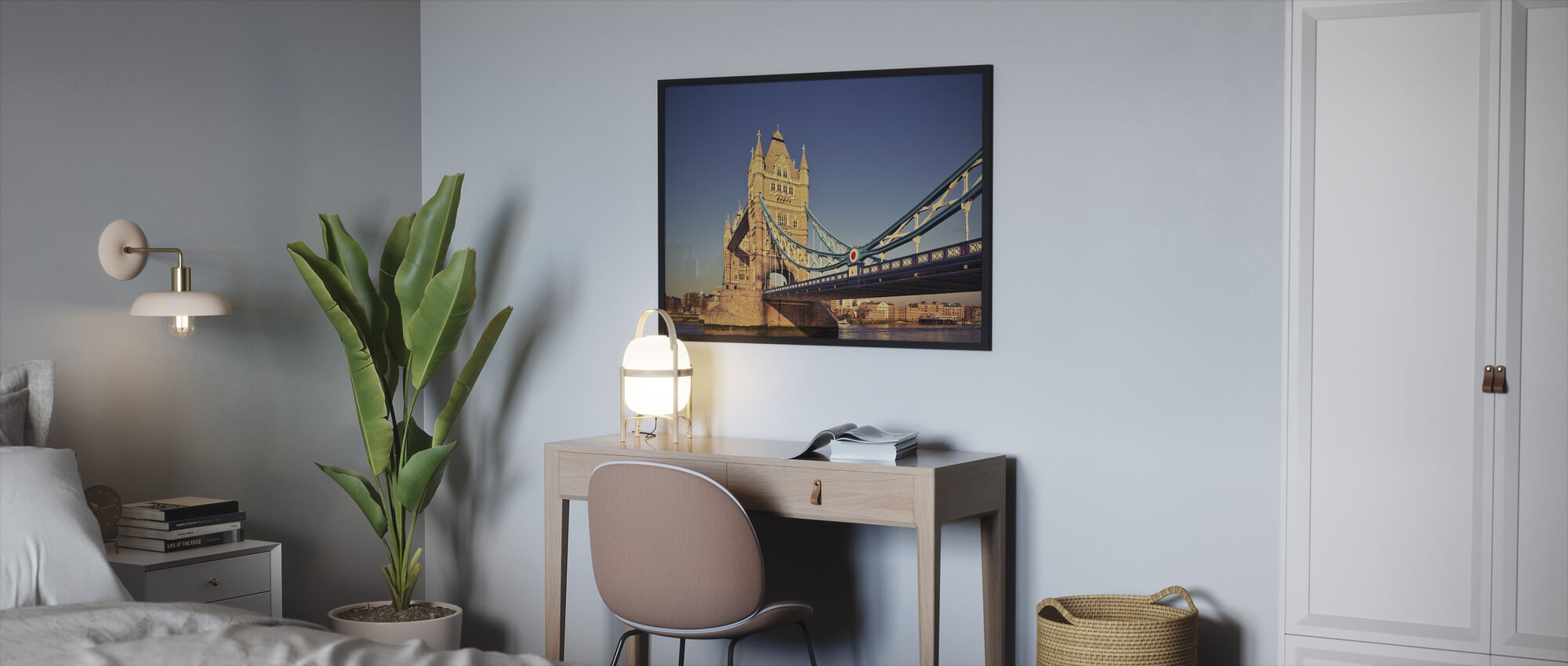 Tårnbro i solskinn - Innrammet bilde - Soverom