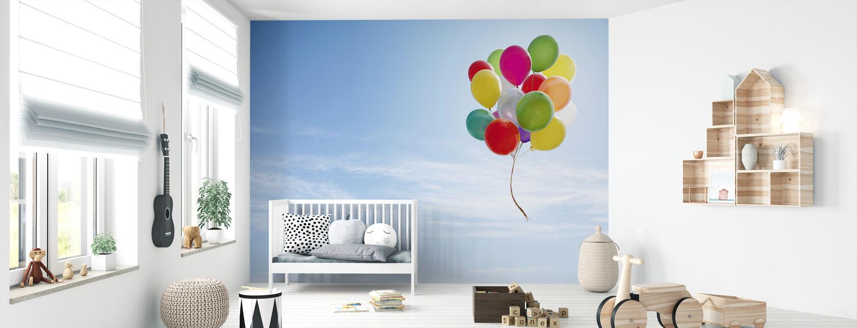 Ilmapallojen nippu - Tapetti - Vauvan huone