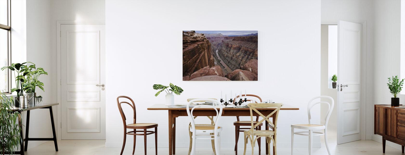 Korkealla Colorado-joen yläpuolella - Canvastaulu - Keittiö
