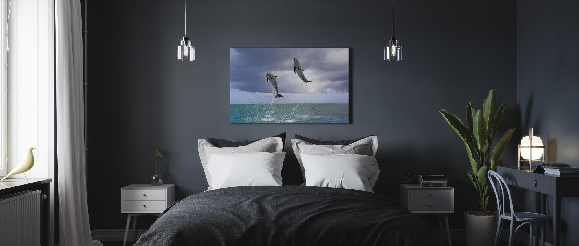 Jumping delfiinit - Canvastaulu - Makuuhuone