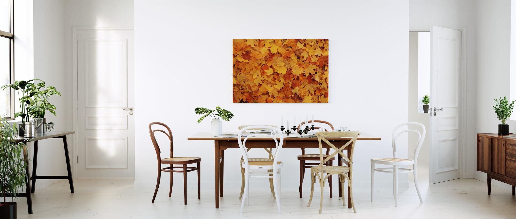 Säng av hösten lönnlöv - Canvastavla - Kök
