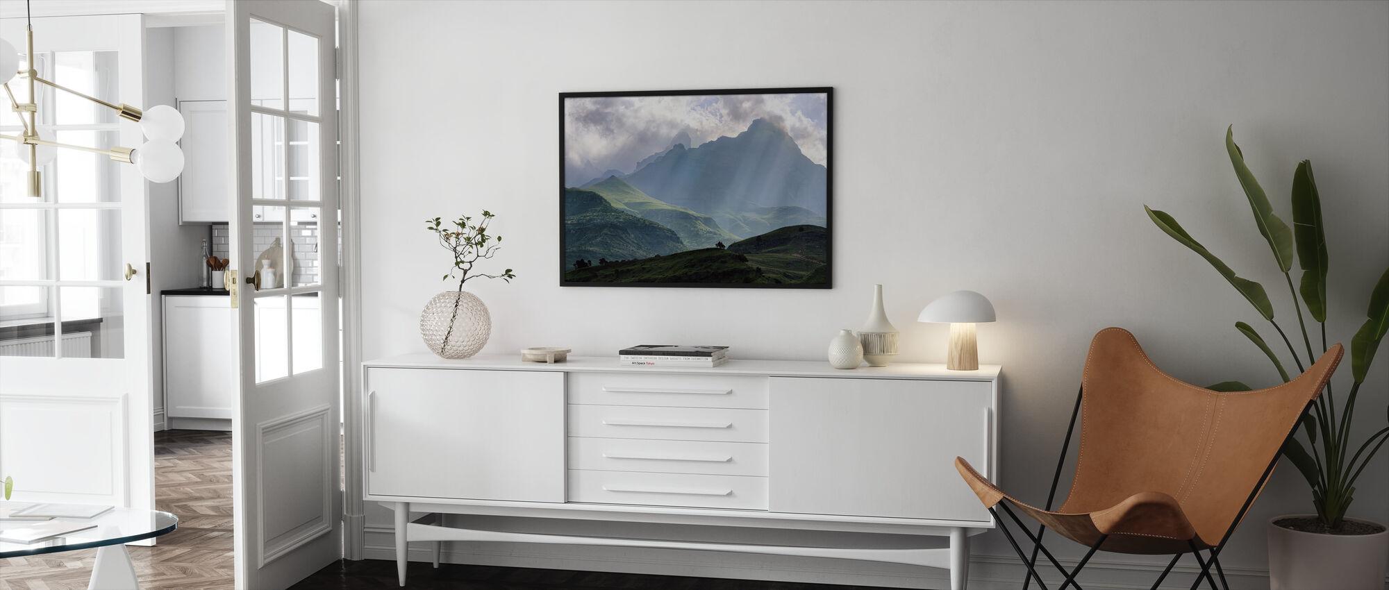 Mnweni Rays - Framed print - Living Room