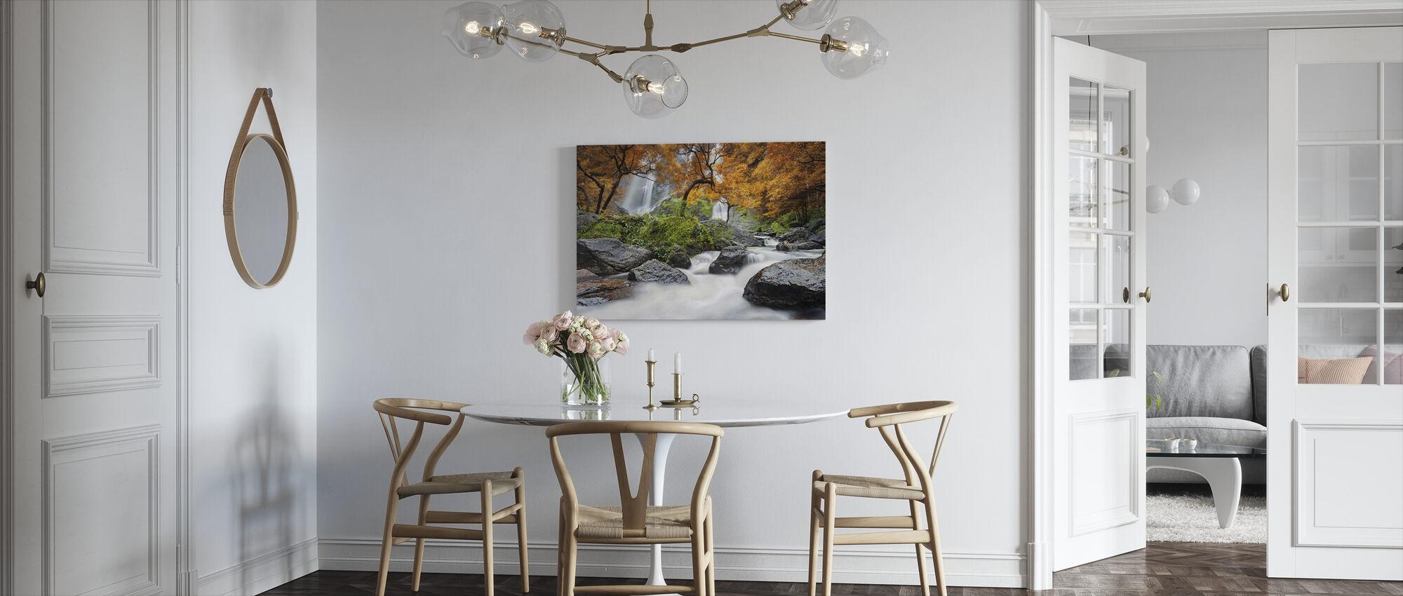 Höst vattenfall - Canvastavla - Kök