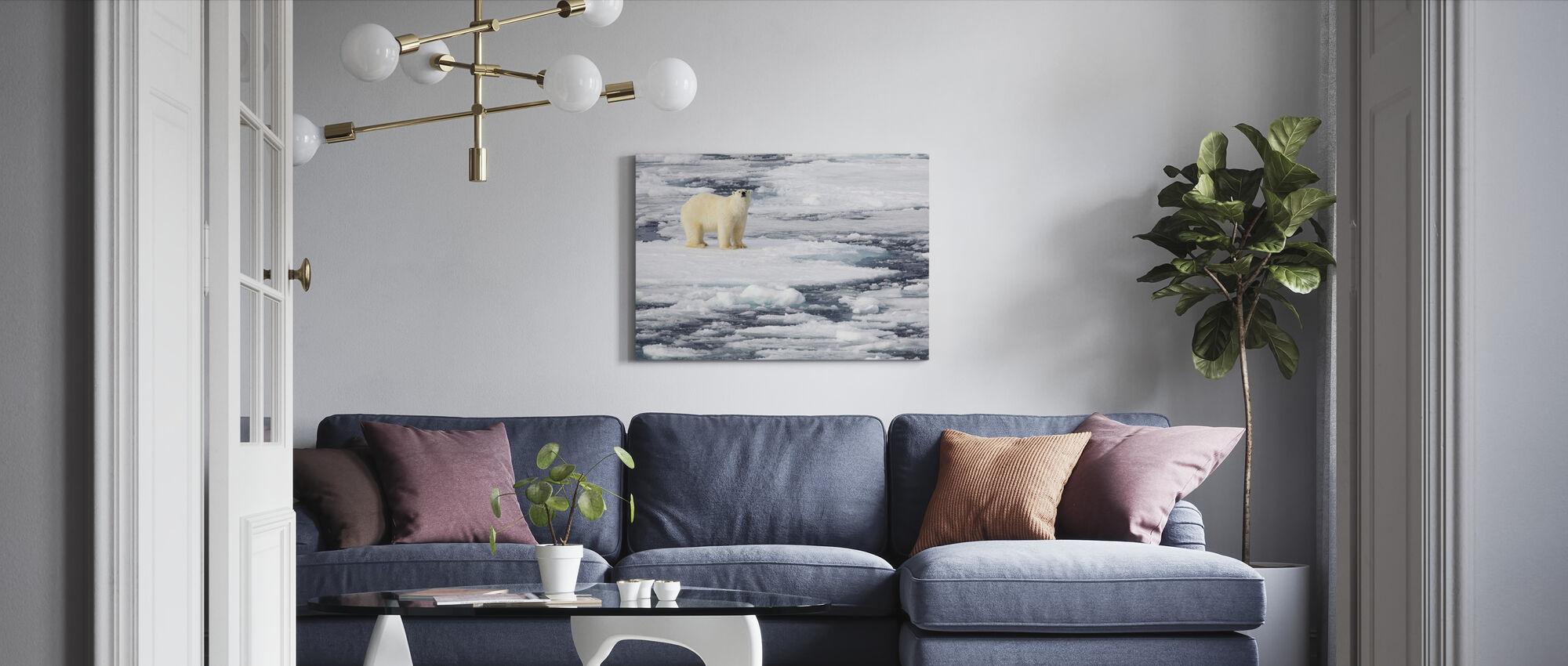 Isbjörn på havet is - Canvastavla - Vardagsrum
