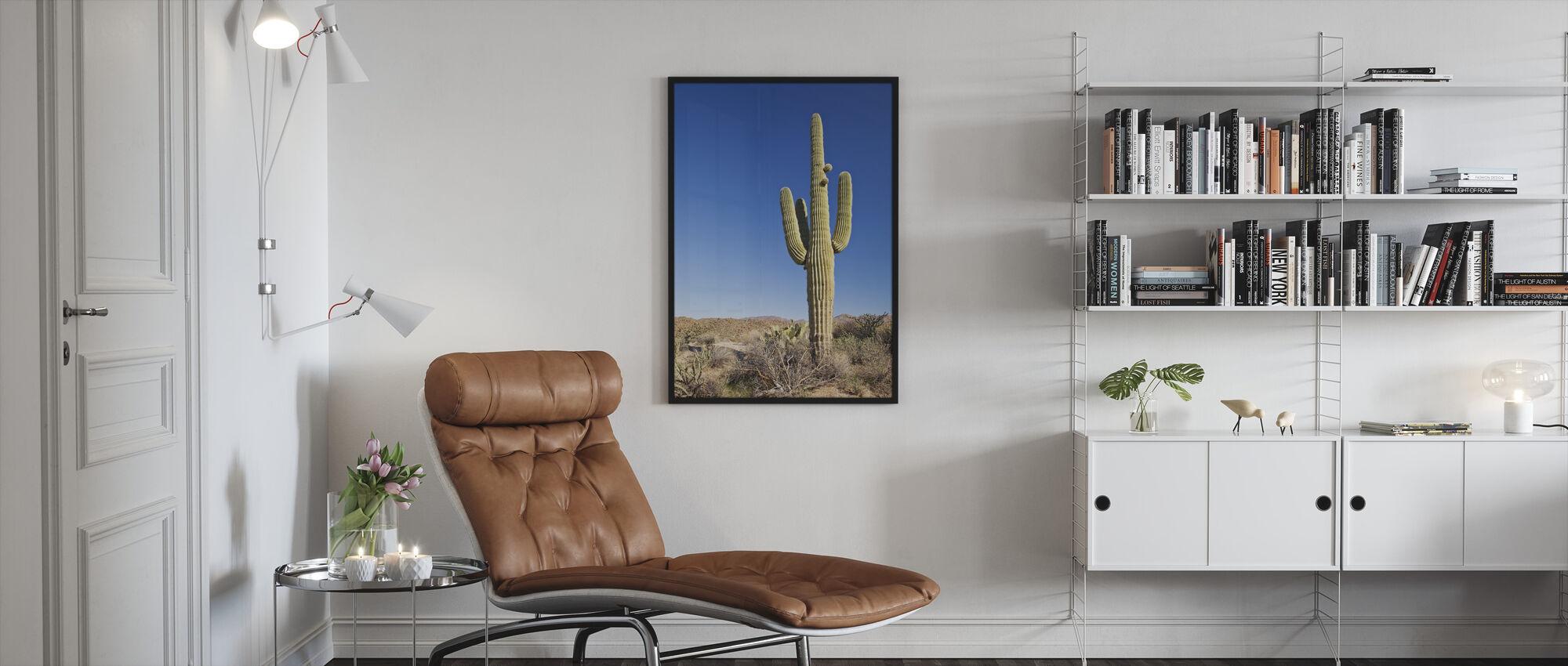 Saguaro kaktus i öknen - Inramad tavla - Vardagsrum