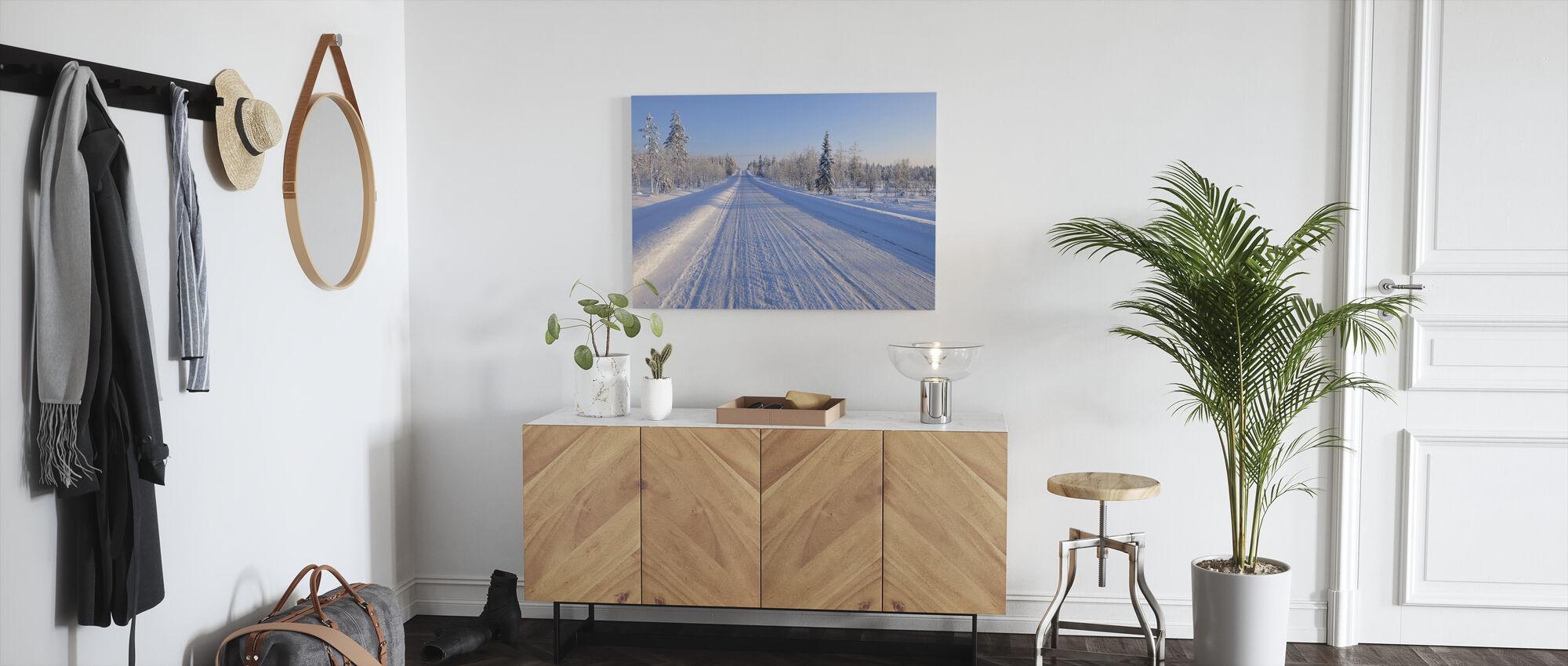 Lumi katettu tie - Canvastaulu - Aula