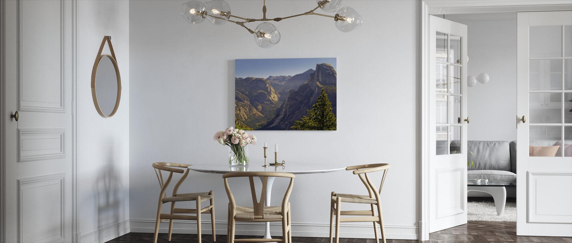Utsikt over Tenaya Canyon - Lerretsbilde - Kjøkken