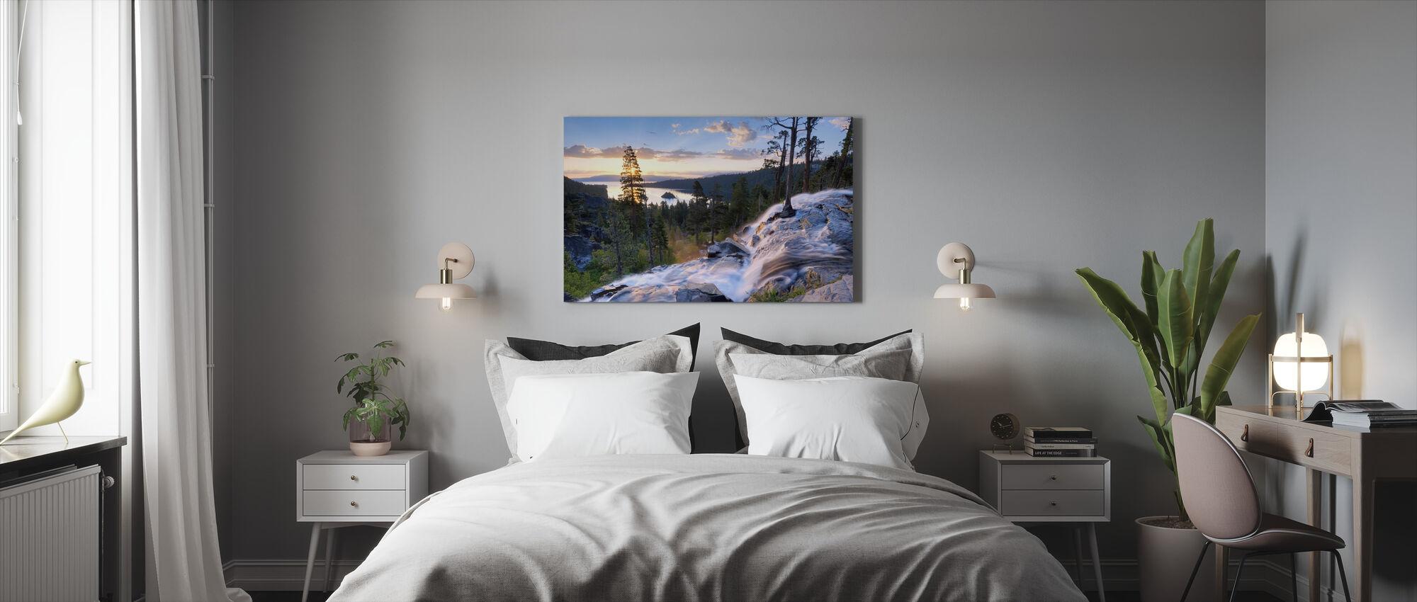 Vakker soloppgang på Eagle Falls - Lerretsbilde - Soverom
