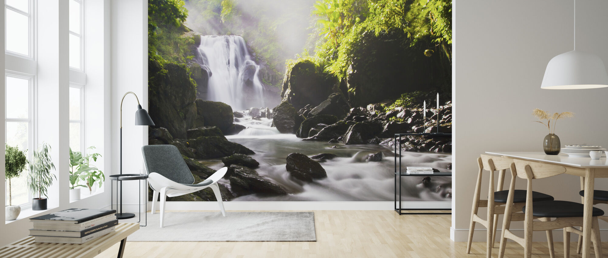 Zonnestralen boven waterval - Behang - Woonkamer