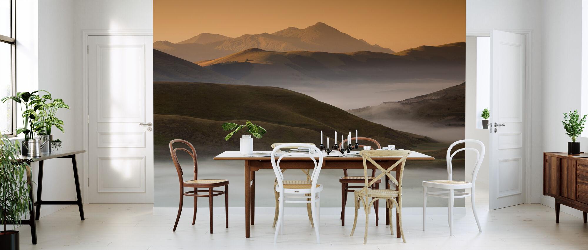 Castelluccio di Norcia in Morning Fog - Wallpaper - Kitchen