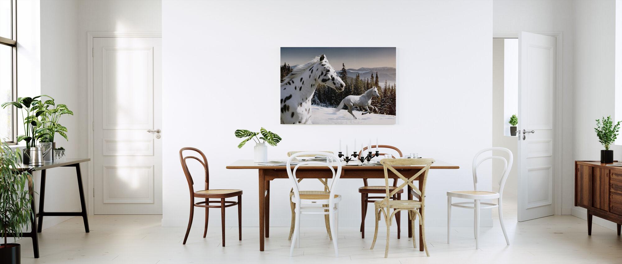 Galopping Winter Wonderland - Canvas print - Keuken