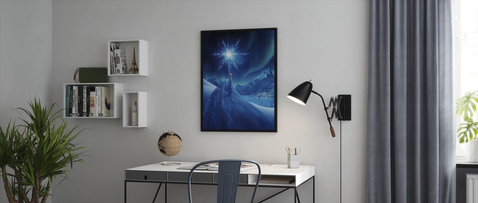 Jäätynyt - Revontulien taikuus - Kehystetty kuva - Toimisto
