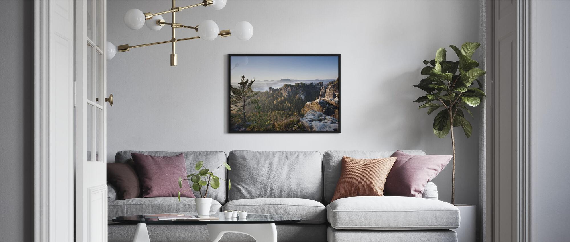 Aamu Bastei - Kehystetty kuva - Olohuone