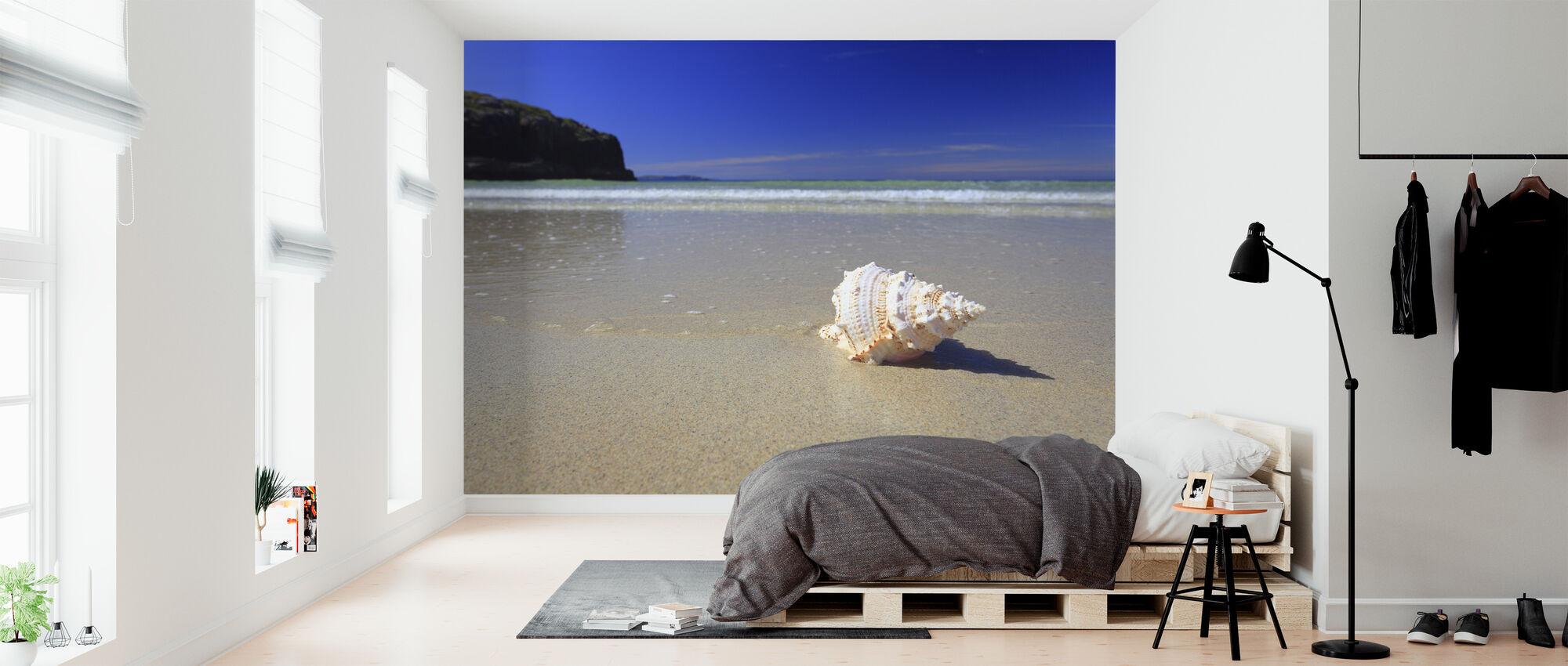 Schelp op strand - Behang - Slaapkamer