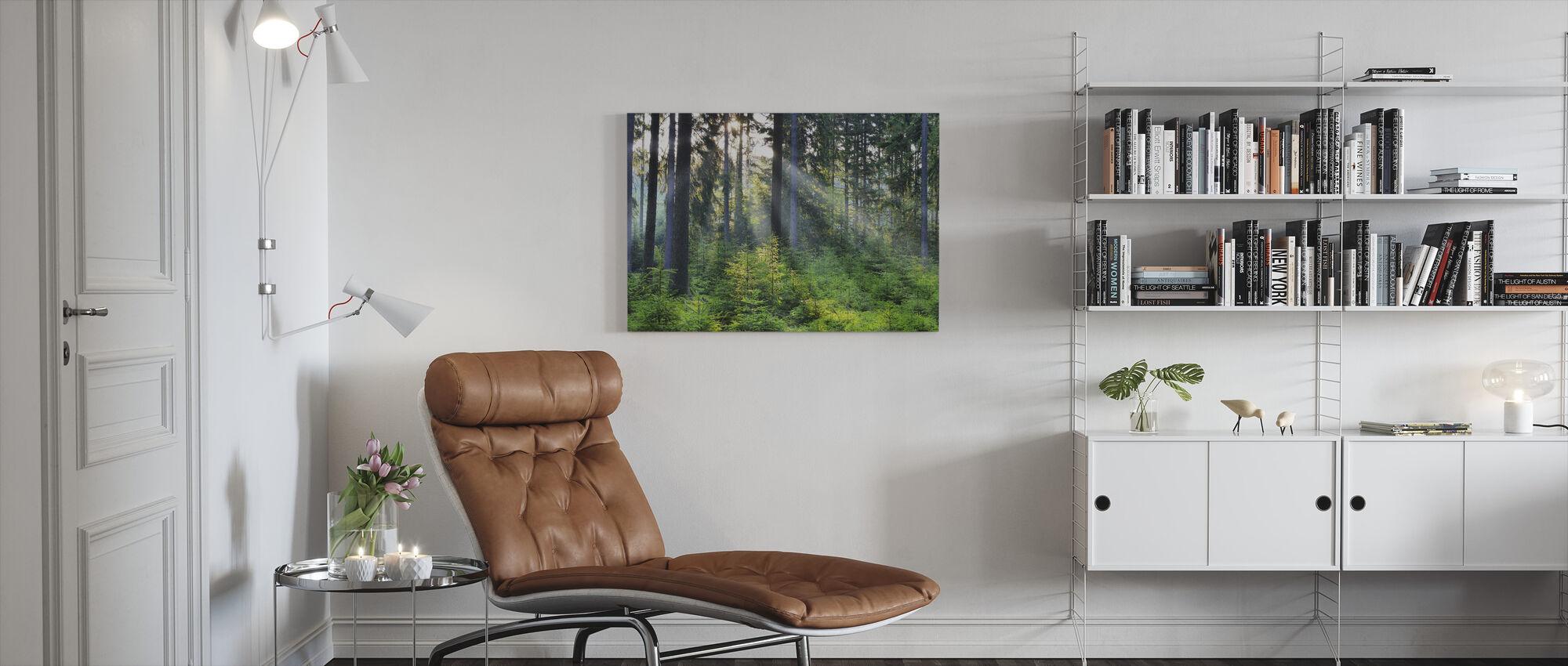 Metsä herääminen - Canvastaulu - Olohuone