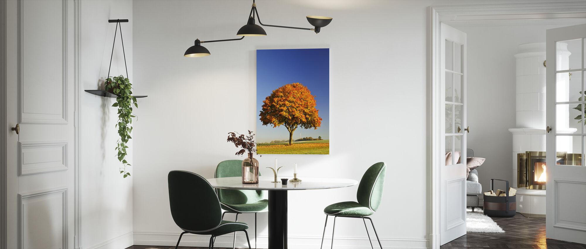 Majesteettinen vaahtera puu - Canvastaulu - Keittiö
