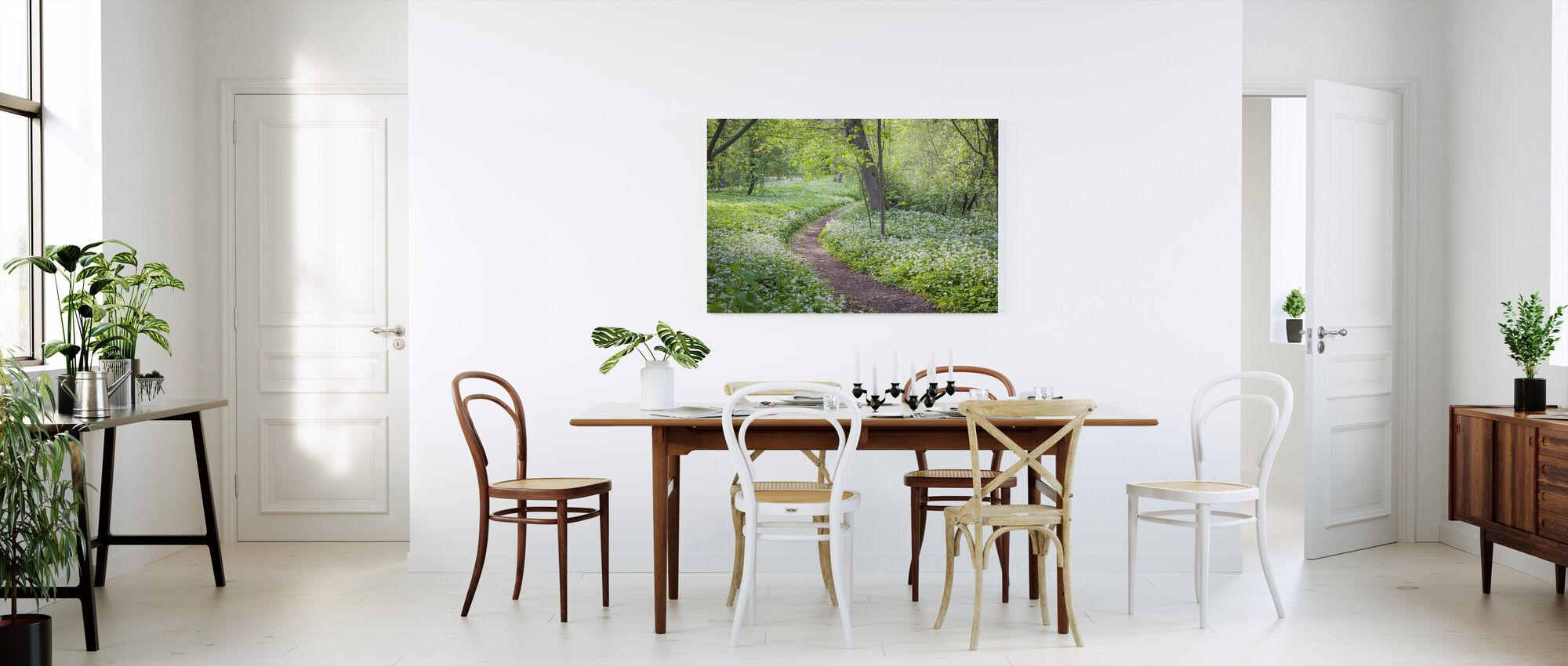 path impression sur toile de grande qualit photowall. Black Bedroom Furniture Sets. Home Design Ideas