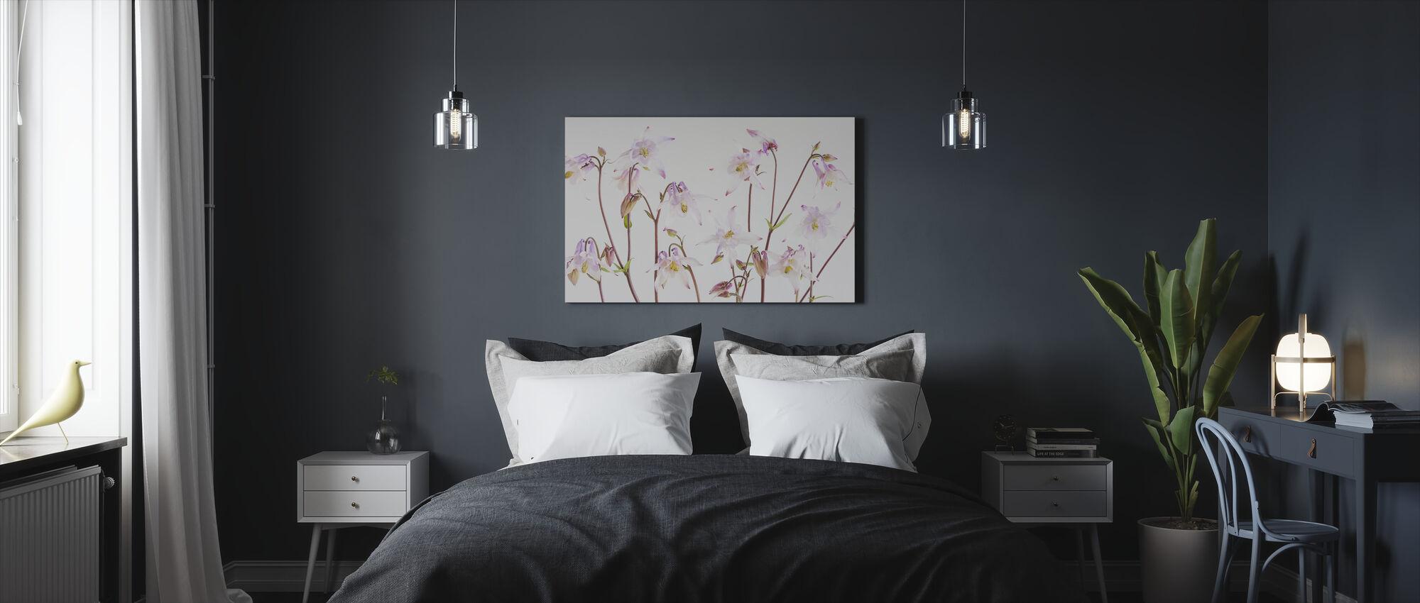 Aquilegia - Canvas print - Bedroom