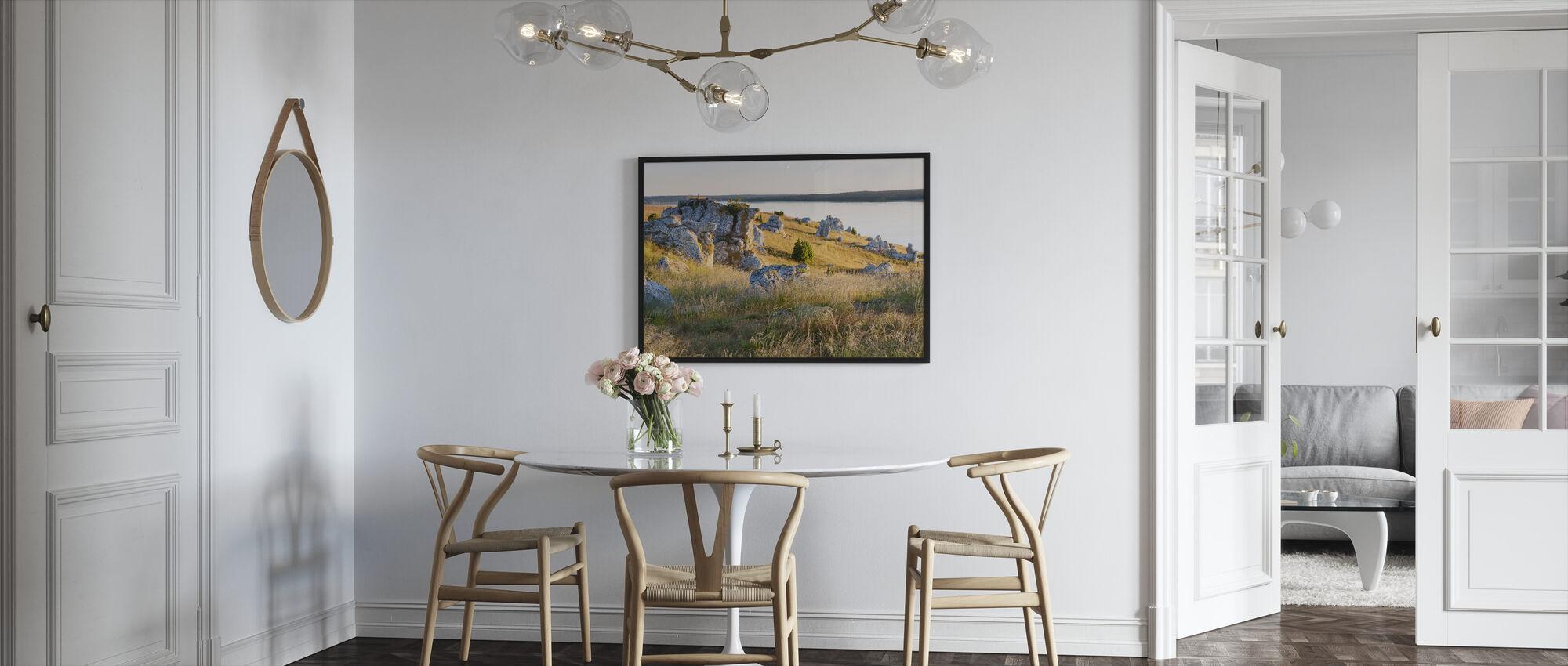 Fint lys over klippene - Innrammet bilde - Kjøkken