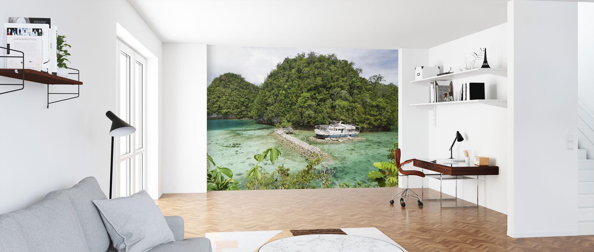 Boat Wreck at Bucas Grande - Wallpaper - Office