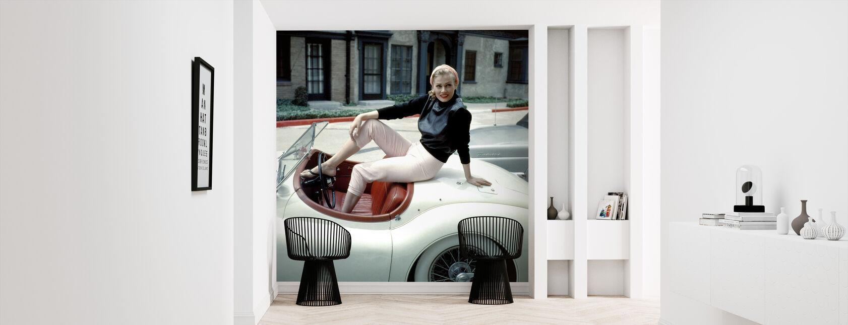 På hennes Jaguar - Tapet - Gang