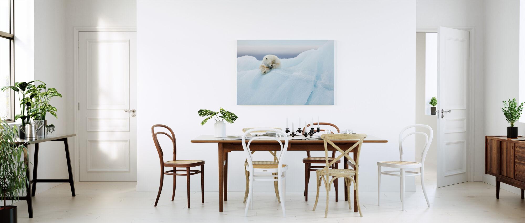 Isbjørn Grooming - Lerretsbilde - Kjøkken