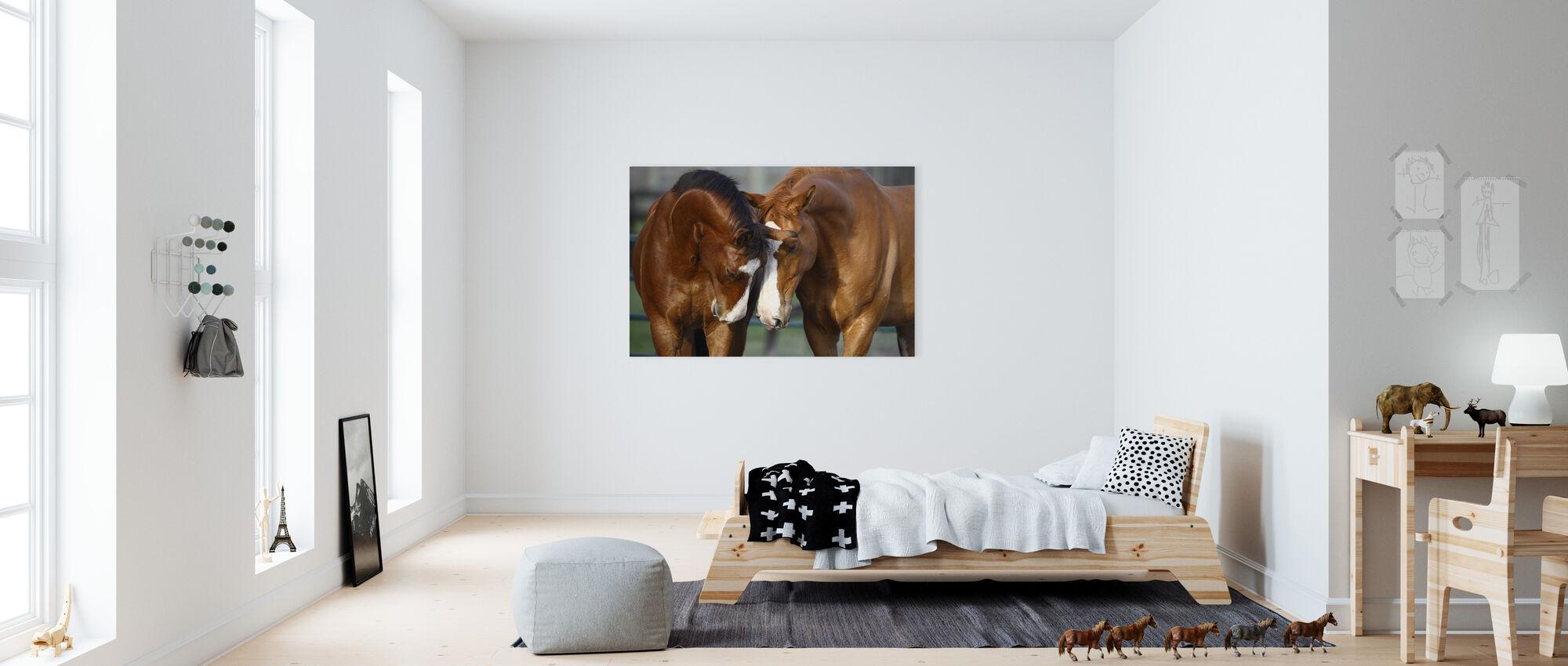 Hästar i kärlek - Canvastavla - Barnrum