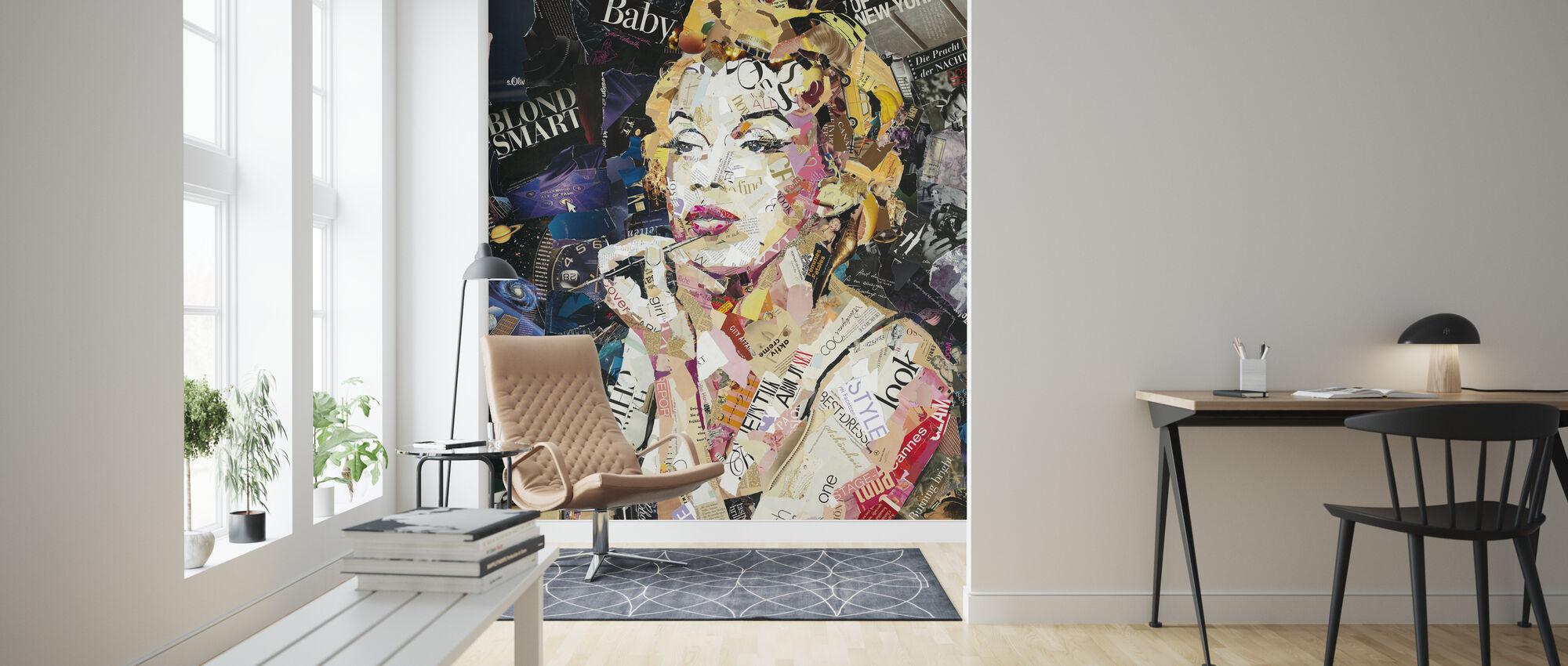 Blond Smart baby - Wallpaper - Living Room