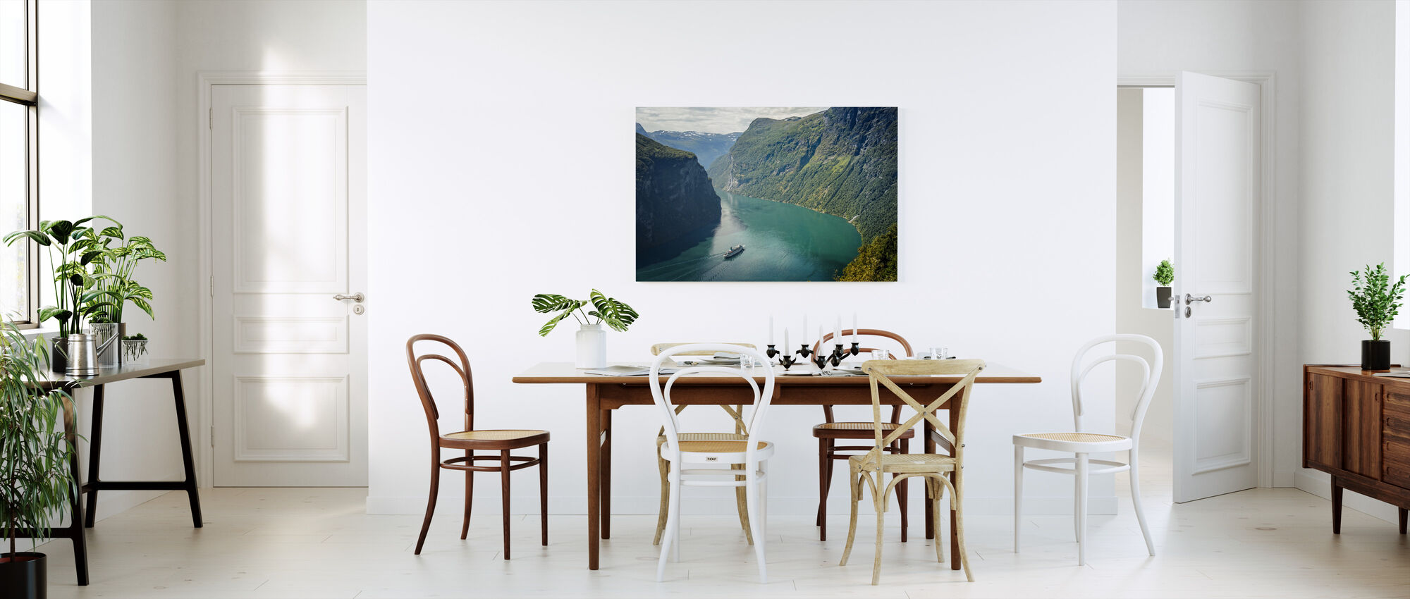 green water of geirangerfjord norway impression sur toile en ligne pas cher photowall. Black Bedroom Furniture Sets. Home Design Ideas
