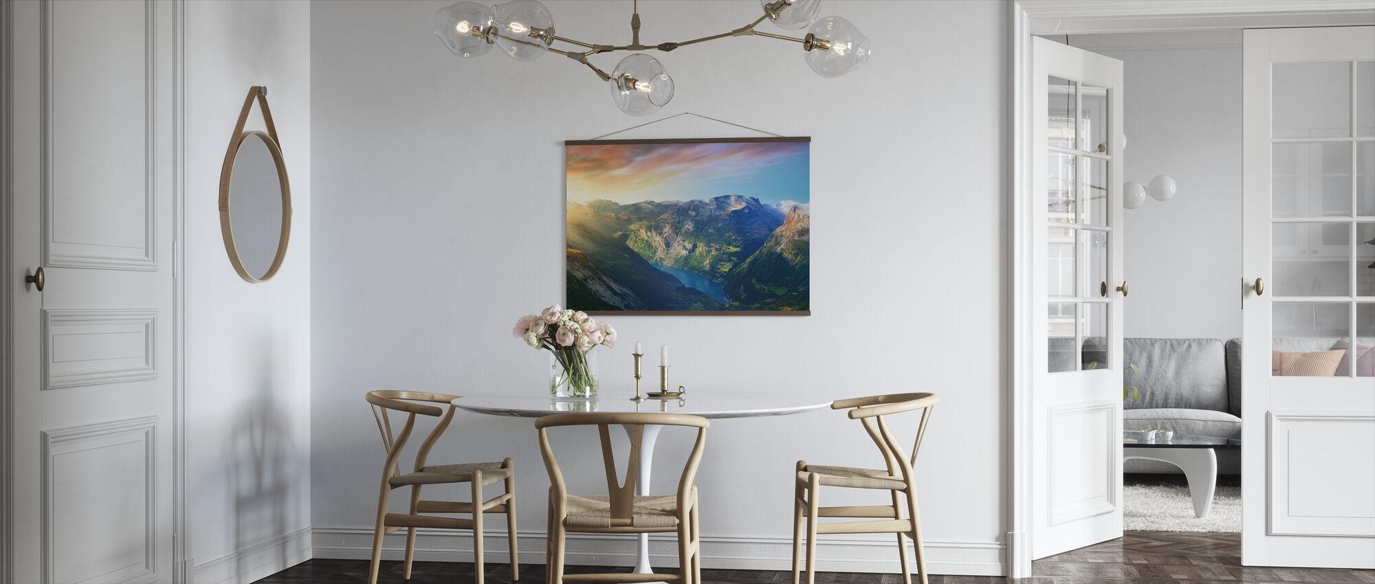 Wschód słońca nad Geirangerfjord, Norwegia - Plakat - Kuchnia