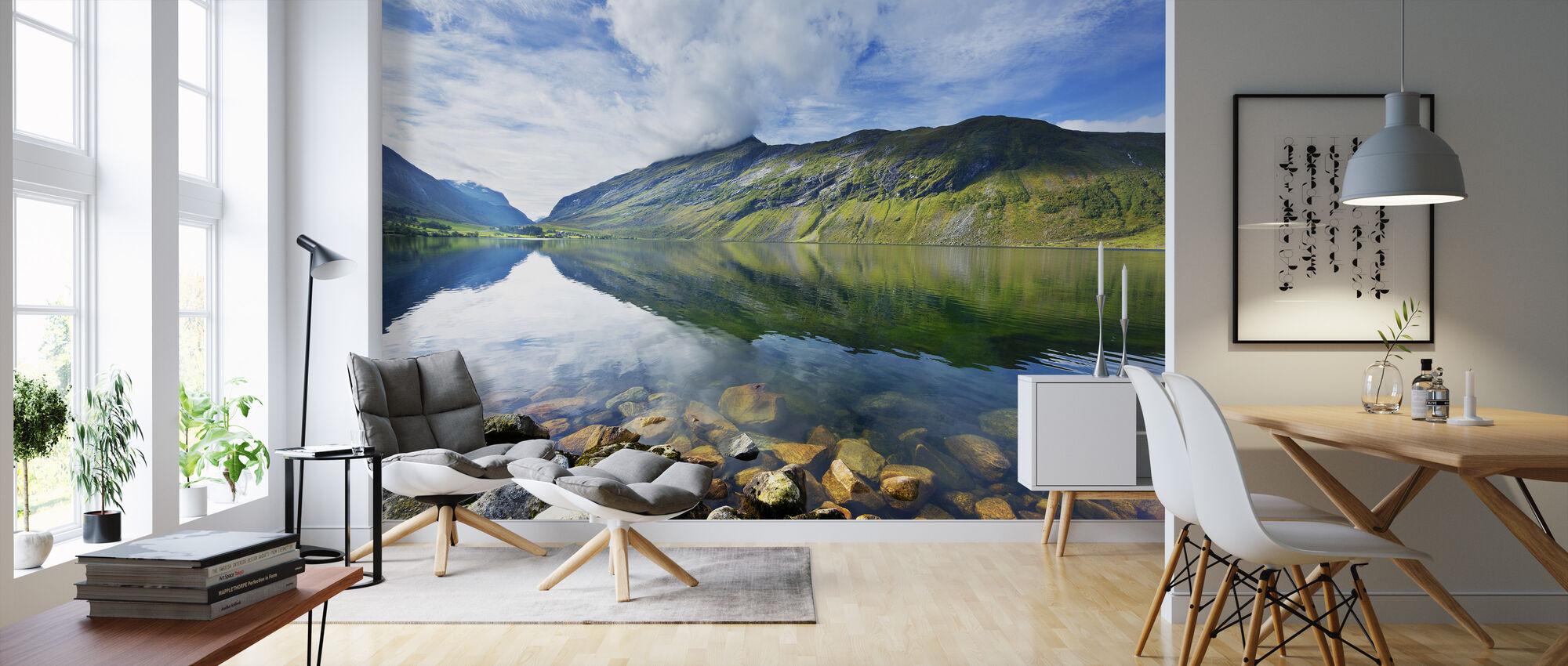 Eidsdal Lake in Geiranger, Noorwegen II - Behang - Woonkamer