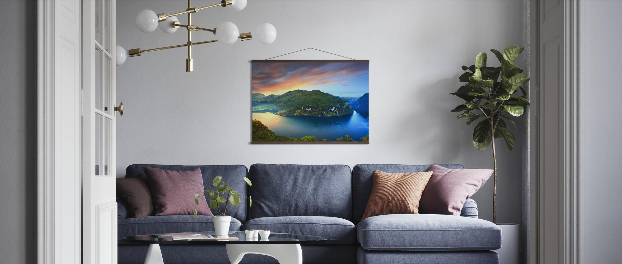 Magisk lys over Geirangerfjorden, Norge - Plakat - Stue