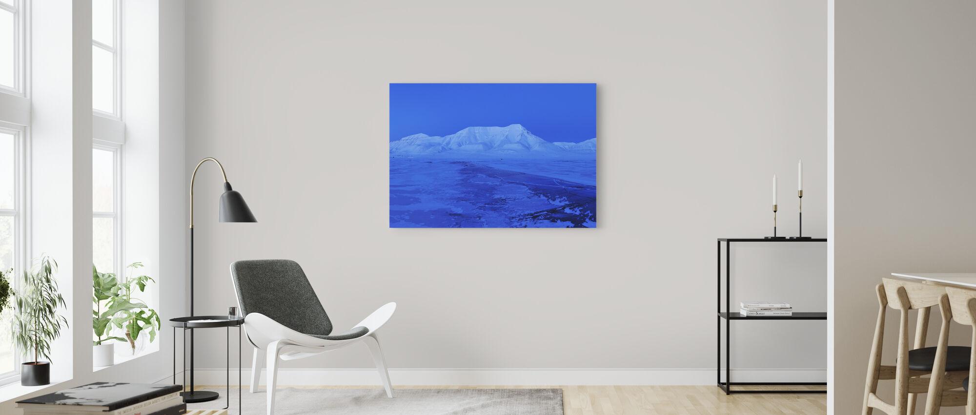 Spitsbergen in blauw licht, Svalbard - Canvas print - Woonkamer