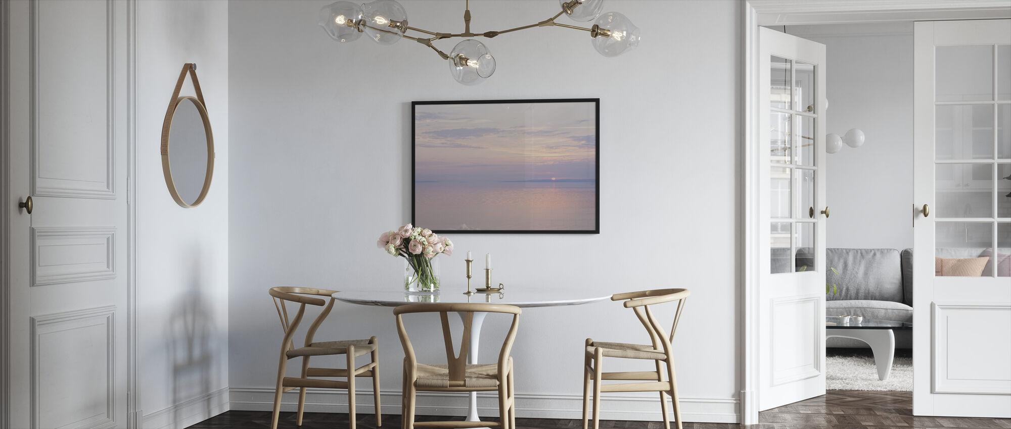 Vaaleanpunainen meri - Kehystetty kuva - Keittiö