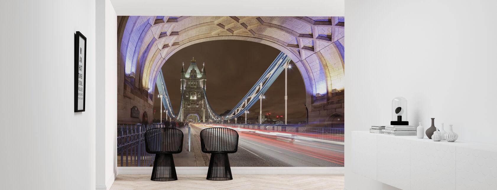 De pie en el puente de Londres I - Papel pintado - Corredor