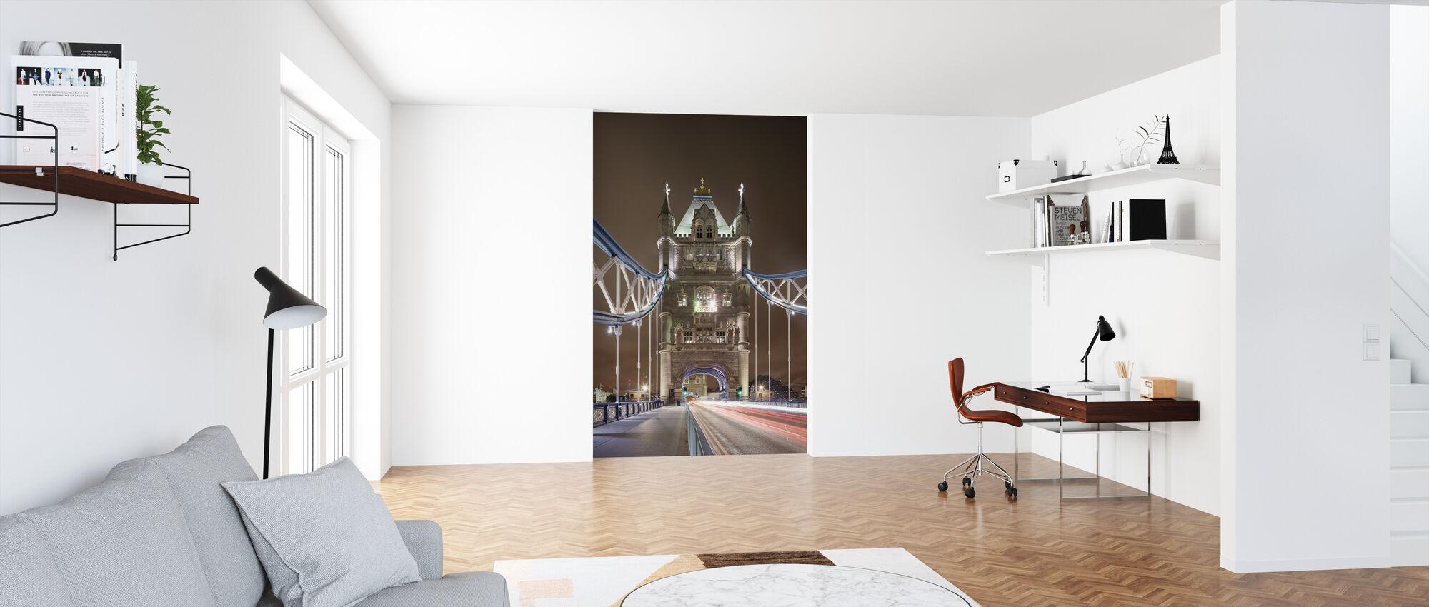 Standing on London Bridge II - Wallpaper - Office