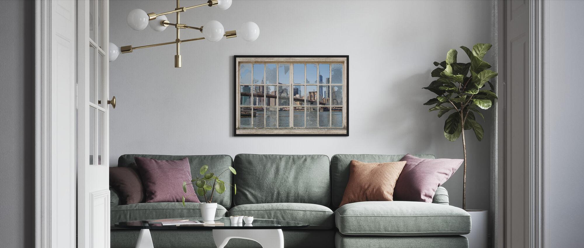 Brooklyn Bridge gjennom brukket vindu - Innrammet bilde - Stue