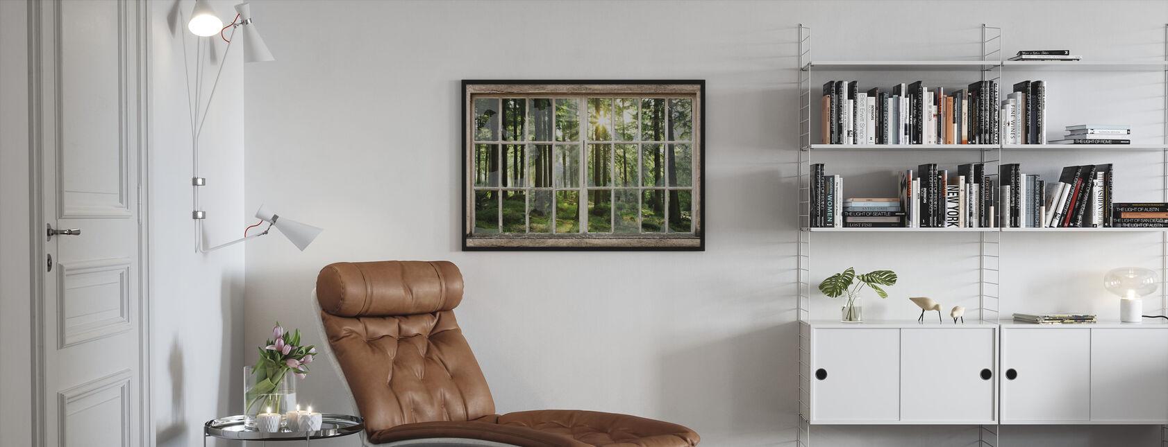 Solnedgång i skogen genom trasiga fönster - Inramad tavla - Vardagsrum