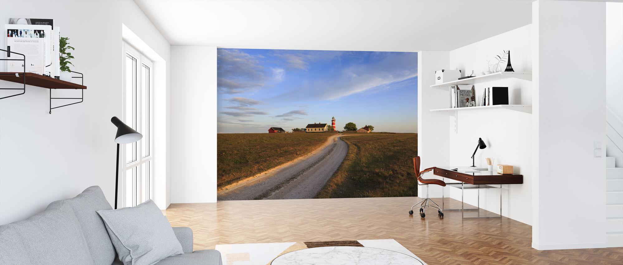 Landstraße zum Leuchtturm, Gotland - Tapete - Büro