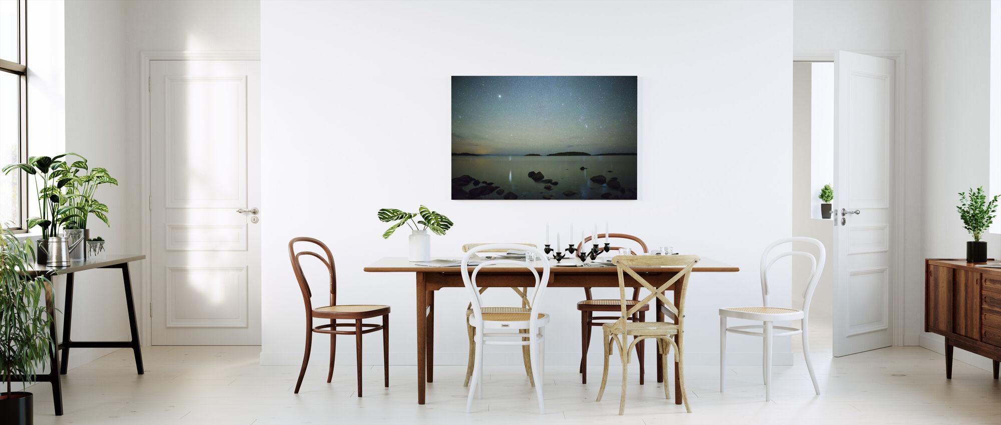 Starry Sky over Juniskär, Sverige - Billede på lærred - Køkken