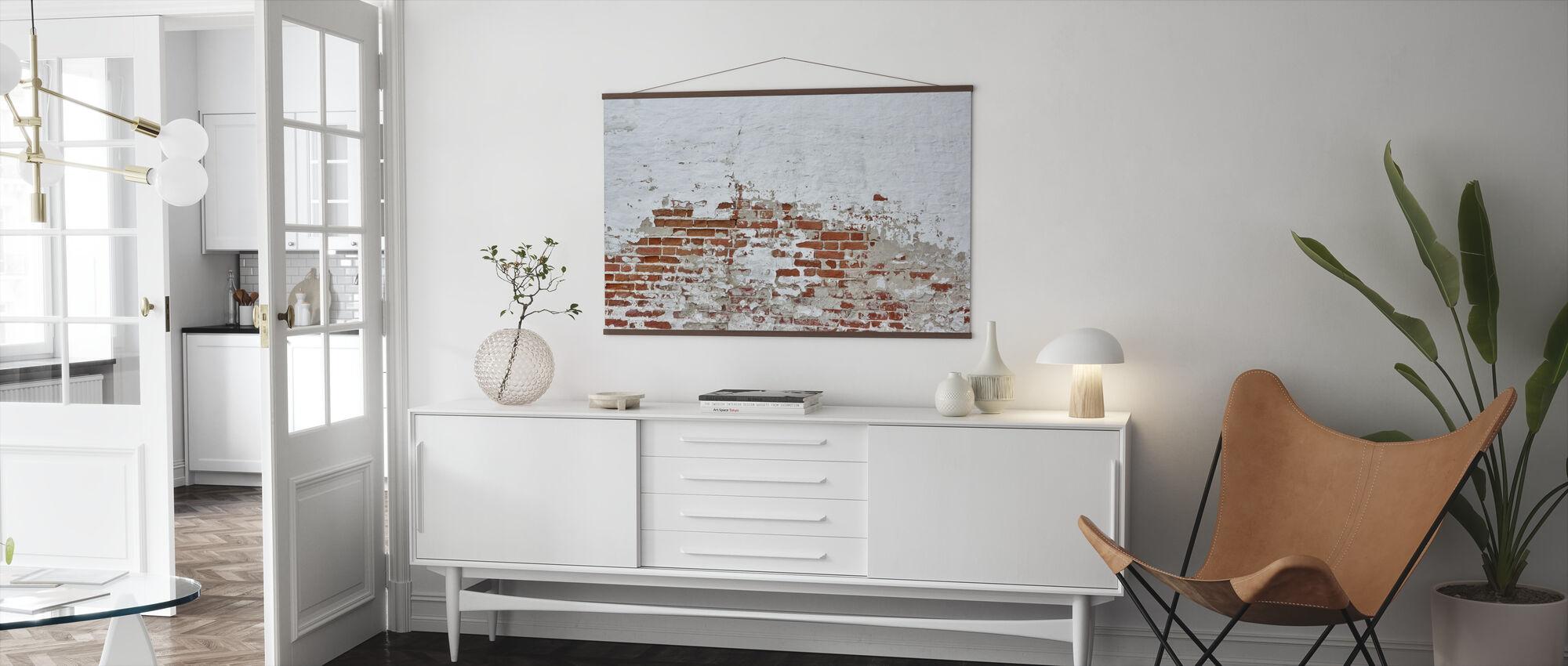 Rød murvegg med drysset hvit gips - Plakat - Stue