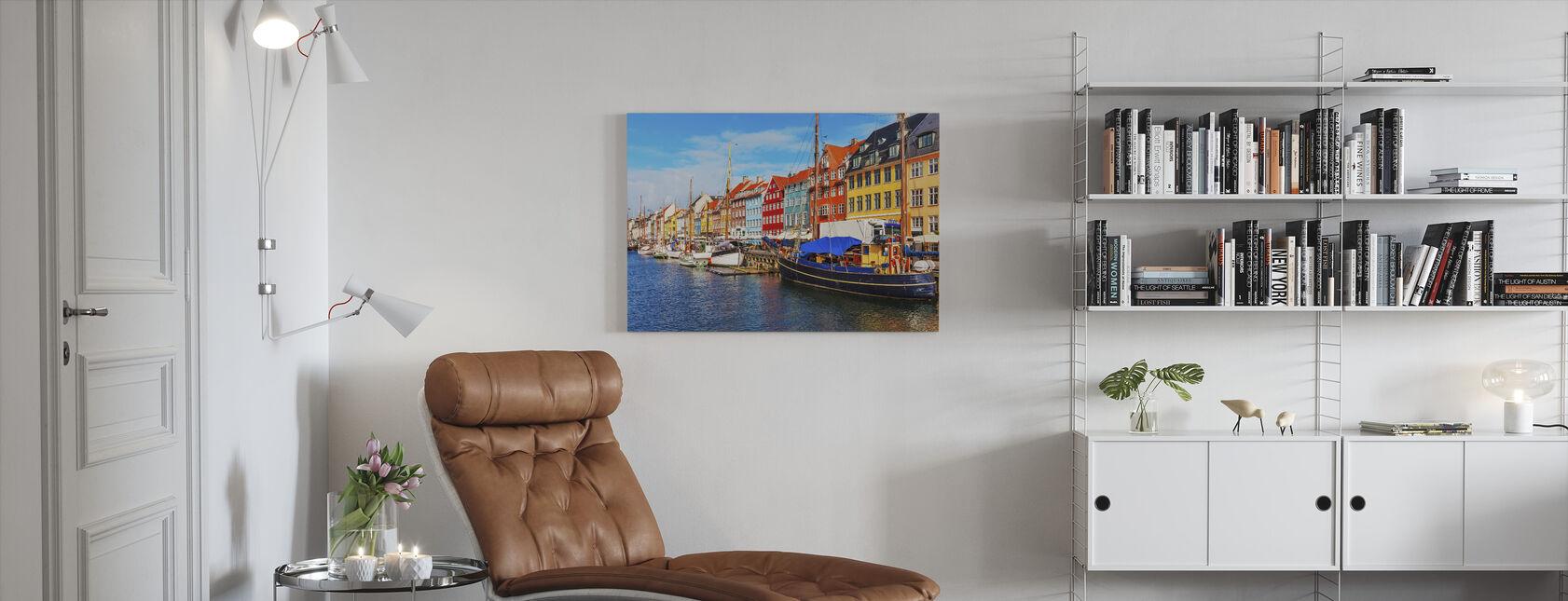 Sommerudsigt over Nyhavn molen - Billede på lærred - Stue