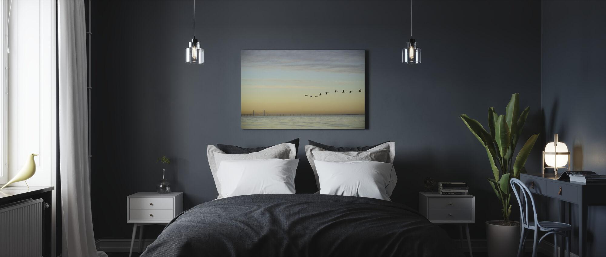 Lintuparvi - Canvastaulu - Makuuhuone
